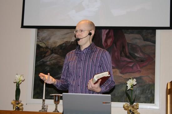 Jonas Byström är tillbaka efter föräldraledighet och predikade vid Söndagens ekumeniska årshögtid.