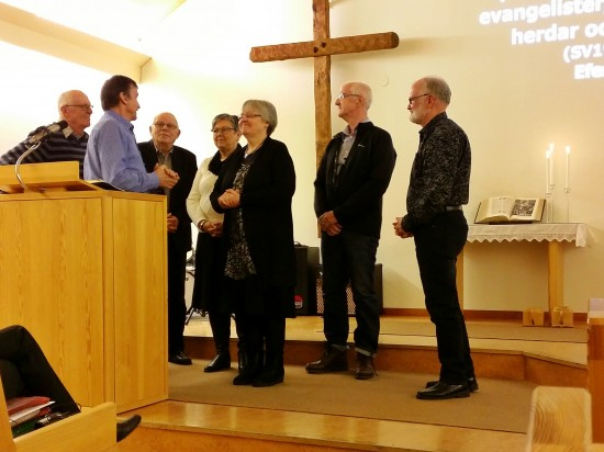 Förbön för Sylvia där även representanter från ett antal andra församlingar deltog.