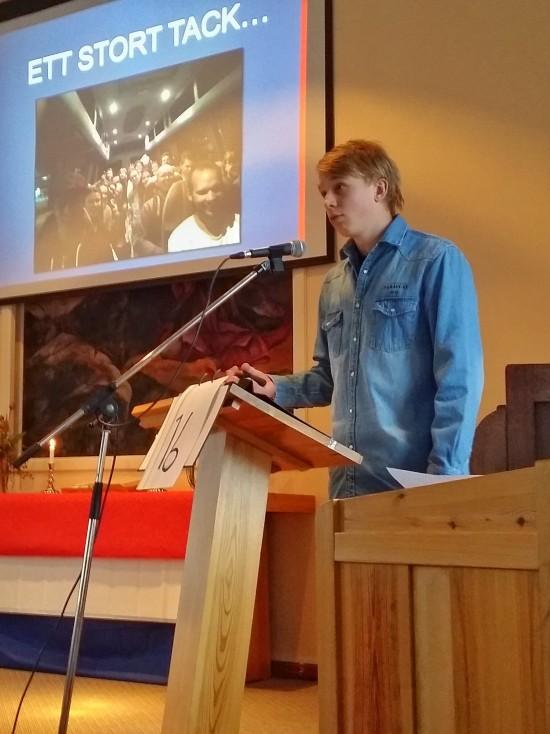 """Isak Örestig framför gruppens stora tack för all stöttning, ekonomiska bidrag till resan och alla förböner. """"Vi har verkligen upplevt hur Gud varit med under resan"""""""