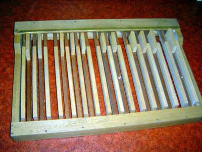 Osäkert om pedalerna verkligen hör till orgeln. Ingen har sett dem monterade. De följde dock med i köpet.
